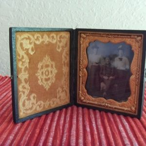 Other - Vintage Tintype Picture in velvet photo frame case